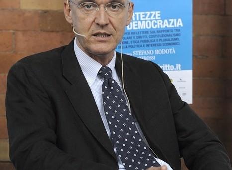 Festival del Diritto 2013 (FotoDELPAPA) CAFFE' EXPO E' possibile una Finanza Democratica? Giampietro Pizzo