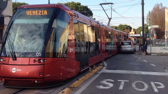 incidente con il tram