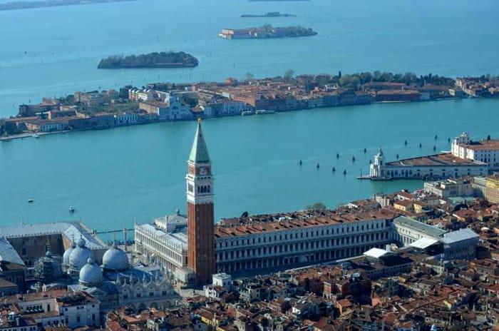 Venezia vuota vista dall'elicottero dei carabinieri _ FOTO.jpeg